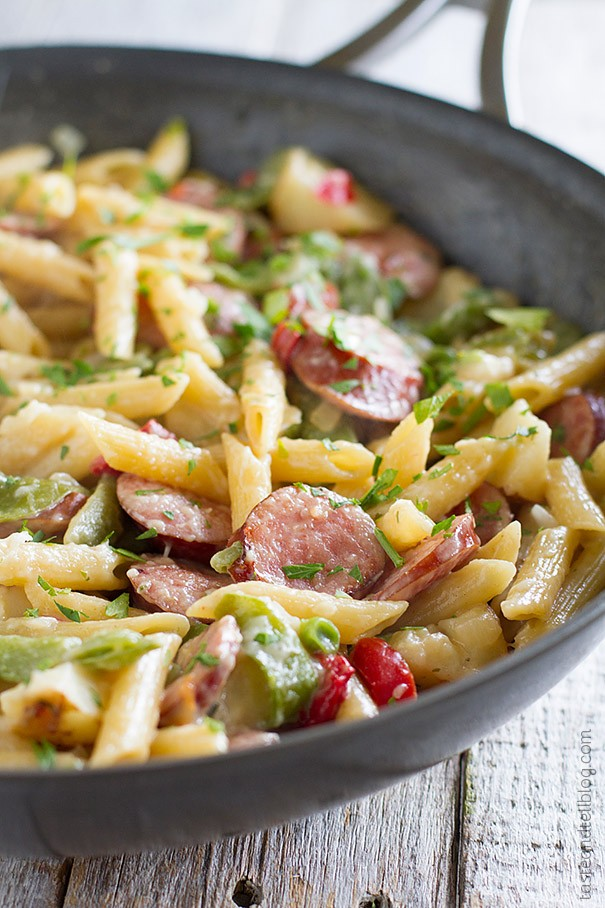 Skillet-Pasta-with-Sausage-Taste-and-Tell-