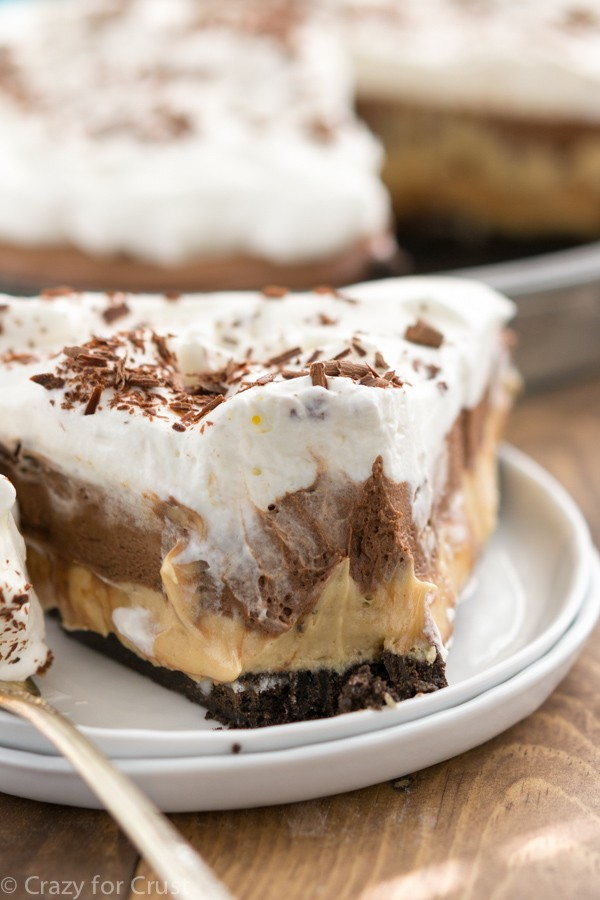 This No-Bake Peanut Butter Chocolate Cream Pie Is Jaw-Dropping