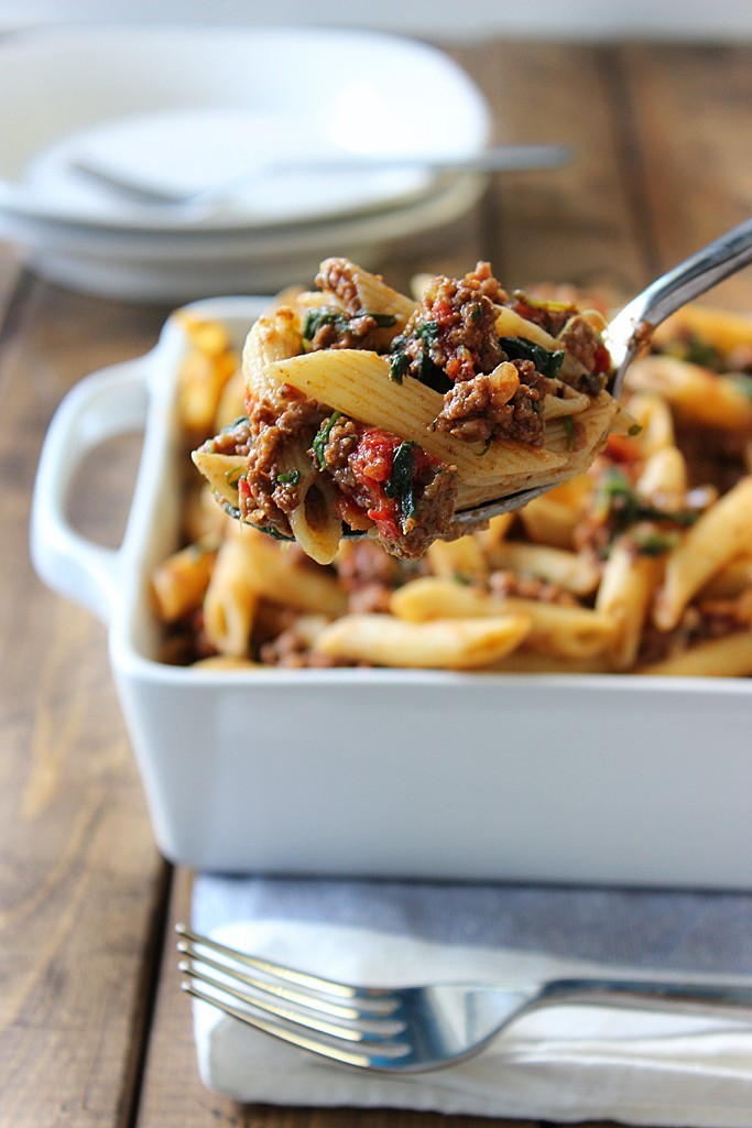 This Simple And Kid Friendly Slow Cooker Beef and Cheese Pasta Is The Perfect Way To Please Everyone In Your Family