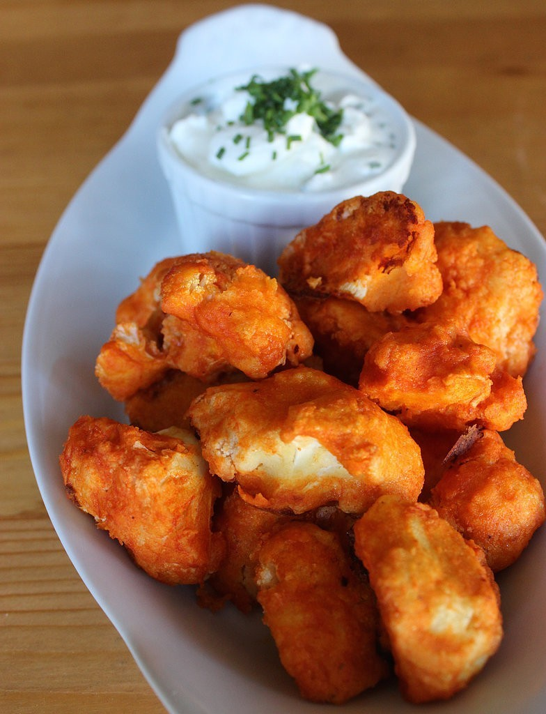 "Next Time You're Craving Buffalo Wings, Opt For These Crispy And Amazing Cauliflower Buffalo ""Wings"""