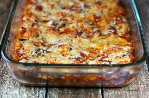So Easy And Satisfying This Bubble Up Pizza Casserole Is Amazing