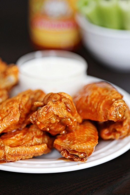 Ridiculously Easy Crock Pot Buffalo Wings To Eat While You Watch Sunday Football