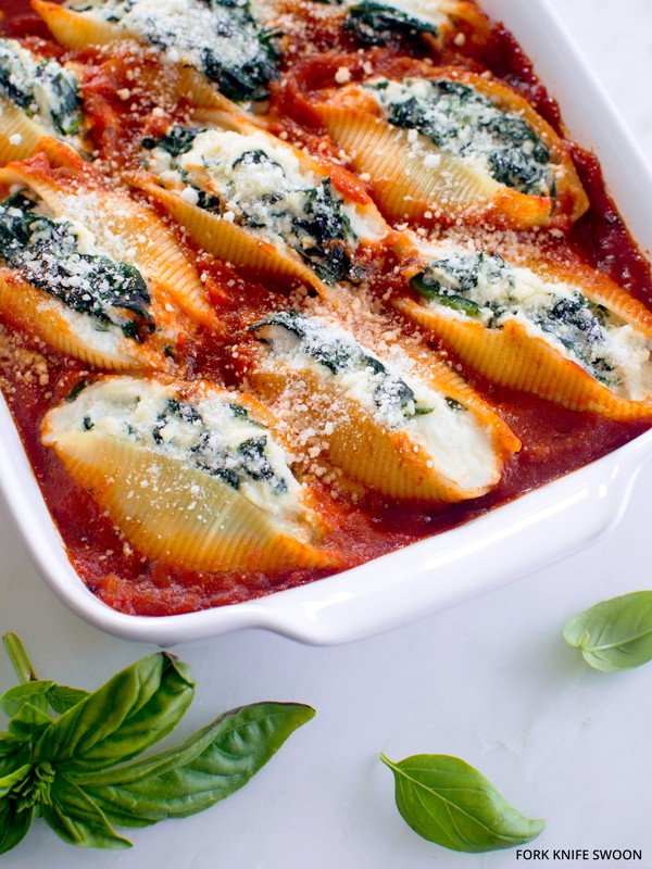 Hearty And Filling Baked Spinach And Ricotta Stuffed Shells