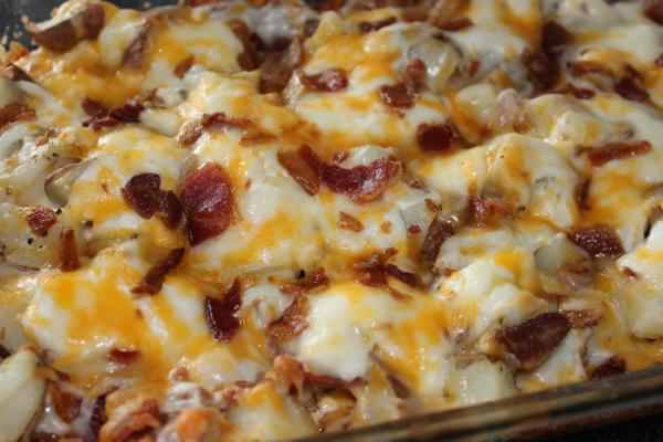 Easy & Delicious 4 Steps Dinner Recipe That Everyone Will Love: Twice Baked Potato Casserole