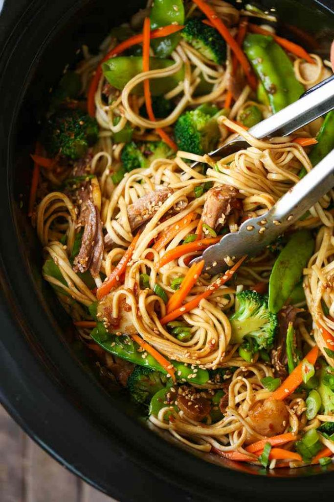 Easy Slow Cooker Lo Mein Noodles