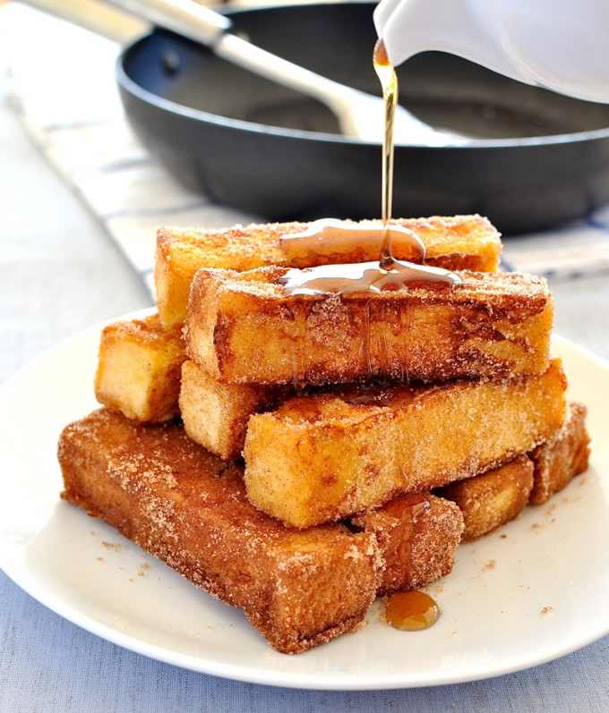 Make Breakfast A Breeze With These Easy Cinnamon French Toast Sticks