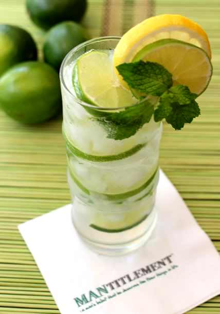 Super Easy Tequila Limeade Recipe To Make This Summer