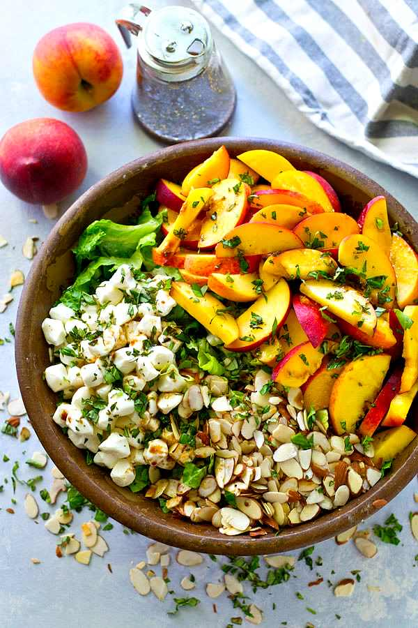 14 Summer Salad Recipe Ideas That Will Fill You Up--Summer Peach Balsamic Caprese Salad